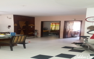 Exclusive 3 Bed semi furnished apartment